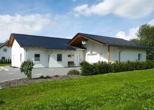 solution 87 v3 von living haus by bien zenker bungalow satteldach. Black Bedroom Furniture Sets. Home Design Ideas
